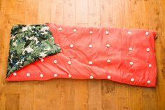 Make This Anthropologie Sleeping Bag for Your Next Sleepover - Brit + Co Make Your Own, Make It Yourself, How To Make, Anthropologie, Kids Sleeping Bags, Brit, Aerial Silks, Sleepover Party, Cozy Bed