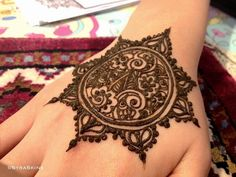 QuickDo Henna: A mandal is all one needs when falling short of time!   #henna #tattoo #mehndi