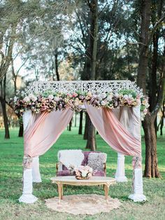 Pastel bohemian wedding ceremony | We Are Origami | See more: http://theweddingplaybook.com/pastel-bohemian-wedding-inspiration/