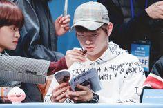 180111 Wanna One at Yohi Fansign #Daniel