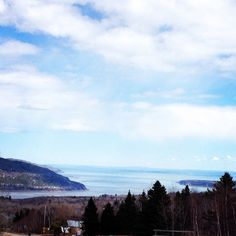 Chalet Charlevoix Quebec - Book Your Next Dream Le Massif Vacation With Us! Charlevoix Quebec, Baie St Paul, Local Artists, Art Gallery, Villa, Vacation, Mountains, Travel, Kiosk