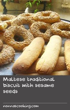 Maltese traditional biscuit with sesame seeds recipe : SBS Food Sesame Seeds Recipes, Fig Recipes, Beer Recipes, Cooking Recipes, Family Recipes, Yummy Recipes, Sesame Cookies, Easy Sugar Cookies, Seed Cookies