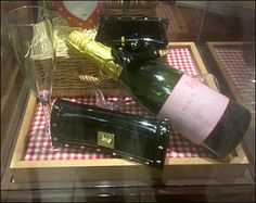 Links of London Celebrates Itself Literally with Bottles of Champagne London Brands, Links Of London, Champagne Bottles, Wine And Spirits, Celebrities, Psychology, Retail, Museum, Cases