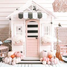 Kids Cubby Houses, Kids Cubbies, Play Houses, Playhouse Decor, Playroom Decor, Cardboard Playhouse, Pink Halloween, Halloween Makeup, Halloween Haunted Houses