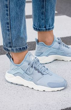 Tendance Chausseurs Femme 2017 Nike Wmns Air Huarache Run Ultra Blue Grey (via Kicks-daily.com)
