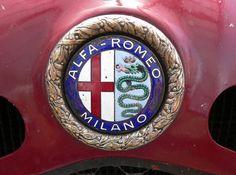 Alfa Romeo 8C del 1932 - Scuderia Ferrari - Mille Miglia - particolare logo Alfa Romeo. Photo by Luca Bardazzi