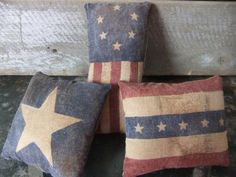 Primitive Americana Flag Pillow Bowl Fillers Tucks Painted by antonia Primitive Pillows, Primitive Patterns, Primitive Crafts, Country Primitive, Primitive Stitchery, Primitive Snowmen, Wood Crafts, Americana Crafts, Patriotic Crafts