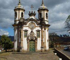 """""""Igreja de São Francisco de Assis"""": a mais famosa de  Ouro Preto, sua construcao foi iniciada em 1766 - Minas Gerais. Brasil."""