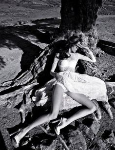 Amanda Laine in dolce and gabbana photographed by by Tiziano Magni in Numéro China, May 2011