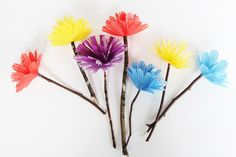 Hi again! It's Megan from Homemade Ginger back with the easiest paper flowers you will ever make. I've tried different varieties of paper flowers butthese are so simple, only require a few materials that you probably already have on hand and are virtually impossible to mess up! The best part is that kids can make …