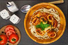 André Boccato nos ensina duas receitas do seu livro Marmita Chic e Saudável para você rechear a marmita com delícias feitas em cas...