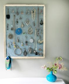 Jewelry hanger DIY. Would be great do display some vintage pieces beyond just using to organize.
