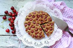 Delicious blog: Pečení bez mouky.... Třešňová bublanina