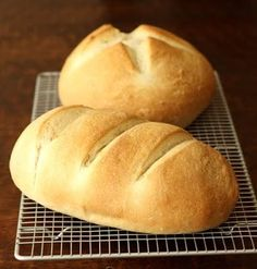 Simple One Hour Homemade Bread Recipe — soft and moist with just a bit of chew.  It makes great sandwich bread, wonderful toast, and is just as good eaten on its own. Quick Bread Recipes, Bread Machine Recipes, Baking Recipes, 1 Hour Bread Recipe, Easy Fast Bread Recipe, Quick Bread Rolls, Easy French Bread Recipe, Best Bread Recipe, Frugal Recipes