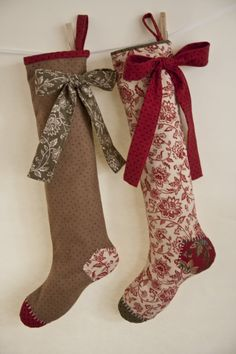 Free pattern for Simple Patch Stockings.