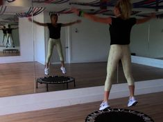 A mini trampoline workout is a great rebounding exercise! Watch this rebounder workout video by Tracy Anderson to find out how to get the most out of it. Trampolines, Mini Trampoline Workout, Rebounder Trampoline, Tracy Anderson Diet, Tracy Anderson Method, Tracy Anderson Workout, Trx, Excercise, Rebounding Exercise