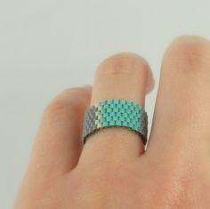 IzabelDesigns: Beadwoven ring mint blue and gray