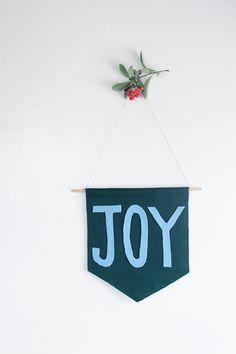 DiY | a joyful new sew holiday banner.