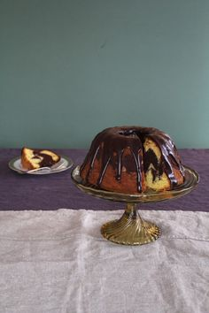 Marmorkake - an oldie, but a goodie! Nigel Slater, Marble Cake, Celebration Cakes, Nye, Chocolate Cake, Sweets, Baking, Muffins, Desserts