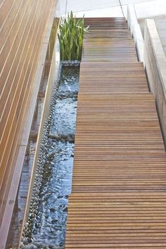 Contemporary Stairs Design with water Contemporary Stairs, Contemporary Garden, Contemporary Design, Landscape Architecture, Landscape Design, Garden Design, Modern Landscaping, Garden Landscaping, Garden Ponds