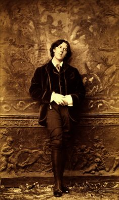 Oscar Wilde, 1882 // photo  by Napoleon Sarony