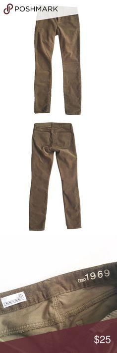 Gap tan skinny corduroy pants Cute skinny tan (almost a taupe) skinny corduroy pants from Gap, size 25. Excellent condition. GAP Pants Skinny