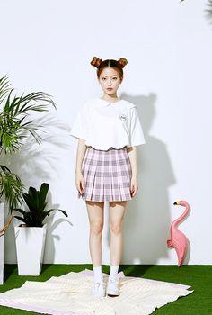 Korean Ulzzang Fashion     Name: Im Bora  Age: 20  Instagram: www.instagram.com/3.48kg                                                    ...