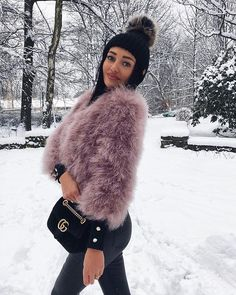 #winterlook#fur#welovefurs Winter Looks, White Smile, Casual Attire, Girl Fashion, Womens Fashion, Polish Girls, Black Hair, Winter Outfits, Winter Fashion