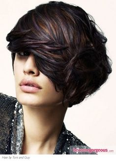 Gorgeous cut, color, and highlights! I love that this would work on fair or olive skin tones. Love the piecey texture these highlights compliment in this cut.