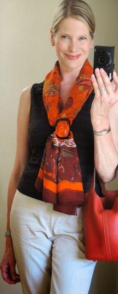 3.bp.blogspot.com -zf1SgqtoFB4 U7gcYr0oQbI AAAAAAAAZdo p7LNZa3GOE0 s1600 How+to+tie+mousseline+scarf.JPG