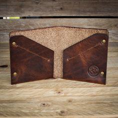 Diy Wallet Pattern, Leather Wallet Pattern, Handmade Leather Wallet, Leather Tooling, Leather Purses, Leather Wallets, Leather Bags, Handmade Wallets, Leather Projects