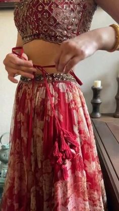 Indian Wedding Gowns, Party Wear Indian Dresses, Designer Party Wear Dresses, Indian Gowns Dresses, Indian Bridal Outfits, Indian Bridal Fashion, Indian Fashion Dresses, Dress Indian Style, Indian Designer Outfits