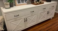 Take a few moments and update your cabinet! Yes, in only an hour or two you can update your cabinet into the farmhouse cabinet of your dreams! Check it out! Staining Cabinets, Painting Kitchen Cabinets, Diy Cabinets, Kitchen Paint, Diy Kitchen, Kitchen Decor, Kitchen Cabinet Crown Molding, Diy File Cabinet, Pallet Cabinet