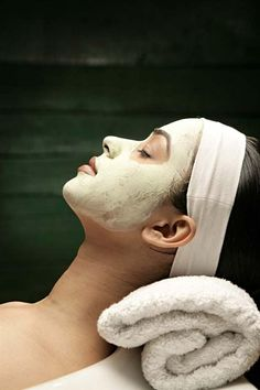 Pack a Gorgeous Glow with These 5 Homemade Multani Mitti Packs