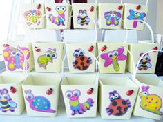 20 Bug themed yellow birthday party gift boxes by SparkleandComfort, $25.00