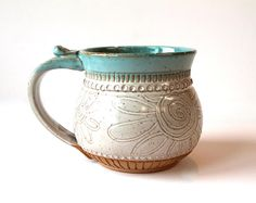 Speckled Clay Coffee Mug, Tea Mug, handmade pottery, Farmhouse Style, Flower Dra. Hand Built Pottery, Slab Pottery, Pottery Mugs, Ceramic Pottery, Pottery Art, Thrown Pottery, Stoneware Mugs, Ceramic Cups, Ceramic Art