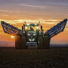 Big Tractors, John Deere Tractors, John Deere Equipment, Heavy Equipment, Diesel, Farm Trucks, Engin, Bull Riding, Great White Shark
