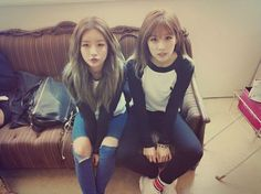 Apink's Chorong and Bomi show off their cute couple look - Yes I 1000000% agree they are definitely a couple  This made me fangirl just looking at it <3