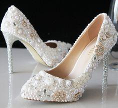Branco pérola de cristal sapatos de casamento pérola sapatos de noiva rhinestone artesanal de salto alto branco saltos finos apontou toe sapatos bombas(China (Mainland))