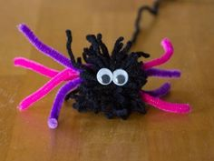 Pom Pom Halloween Craft Spider