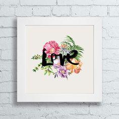 Dê vida nova aos seus ambientes com nossos quadros decorativos. <br>Quadro com moldura branca 23,5 x 23,5 cm e frente de vidro. <br>Gravura impressa com qualidade fotográfica, tamanho: 20 x 20 cm.