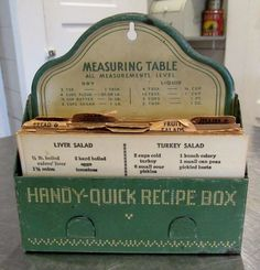 Vintage Cream & Green Metal Handy Quick Recipe Box Full of Recipes