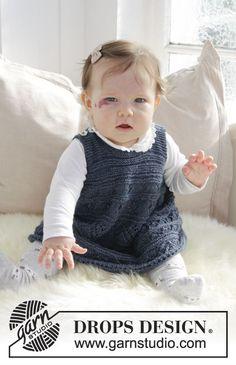 Serafina / DROPS Baby 31-17 - Strikket kjole med hulmønster og retstrik til baby. Størrelse 0 – 4 år. Arbejdet er strikket i DROPS Alpaca
