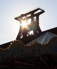 Direkt vom Gelände der Zeche Zollverein arbeiten wir tagtäglich an unserem Projekt, welches uns sehr am Herzen liegt: Knackstream.com!