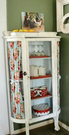 Love this I would put more shabby chic colors in. What a perfect piece. Witham in your china hutch! Love this I would put more shabby chic colors in. What a perfect piece. Witham in your china hutch! Repurposed Furniture, Shabby Chic Furniture, Shabby Chic Decor, Vintage Furniture, Painted Furniture, Shabby Chic Lace Curtains, Decor Vintage, Vintage Linen, Shabby Vintage
