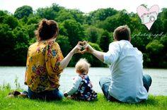 Family Photography www.laurarhianphotography.co.uk