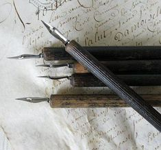. Calligraphy Pens, Calligraphy Alphabet, Islamic Calligraphy, Dip Pen, The Infernal Devices, Lost Art, Penmanship, Pen And Paper, Letter Writing