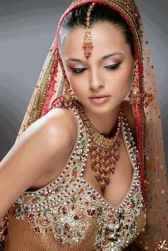 Indian Bridal Makeup Tips & Advice - From your Indian Makeup Artist - Khush Singh Indian Bridal Fashion, Indian Bridal Makeup, Wedding Makeup, Bride Makeup, Hair Wedding, Wedding Bride, Bridal Hair, Wedding Reception, Dress Indian Style