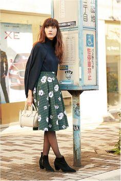 甘さ控えめでも甘く♪ 花柄フェミニン スタイル ファッション コーデ♡