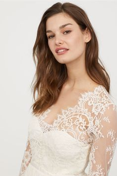 Długa sukienka z koronką - Kremowy - ONA | H&M PL 2